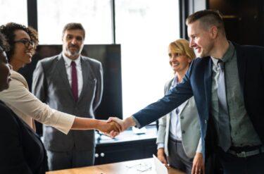 ビジネス英語(挨拶編):自己紹介の印象を良くするための準備や勉強方法
