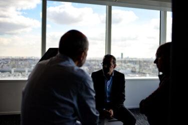 ビジネス英語(営業編):交渉で譲歩する気にさせるための例文・フレーズ